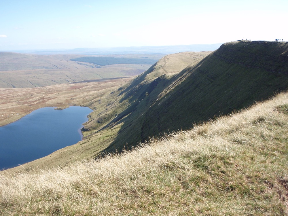 Llyn y Fan Fawr and the Fan Hir edge
