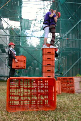 Crate stacking on the end